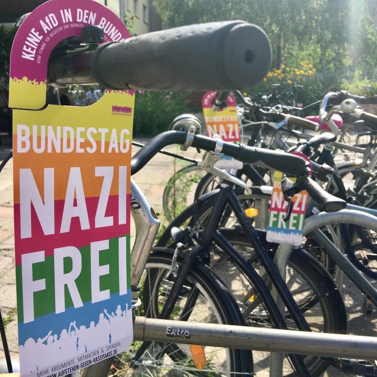 """Hänger """"Bundestag Nazifrei"""""""