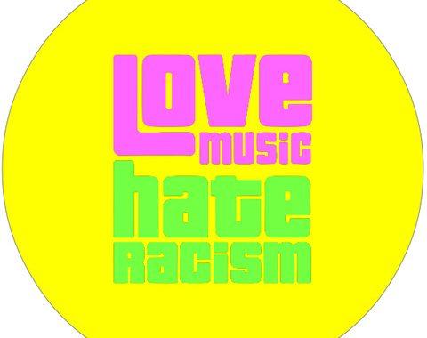 """Love Music, hate Racism – Musiklabel """"Kleinlaut"""" spendet Aufstehen gegen Rassismus"""